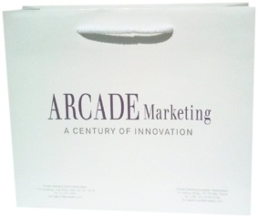 sac papier luxe personnalisé avec poignées découpées